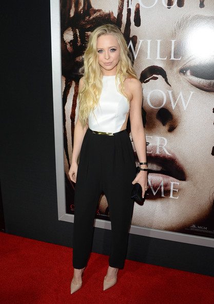 Portia Doubleday Clothes