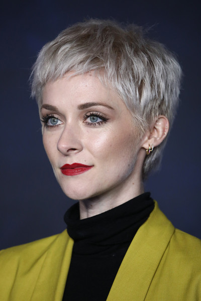 Portia Freeman Pixie [fantastic beasts: the crimes of grindelwald,hair,face,blond,hairstyle,eyebrow,lip,chin,beauty,head,fashion,red carpet arrivals,portia freeman,uk,cineworld leicester square,england,london,premiere]