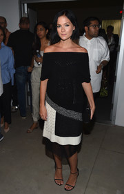 Leigh Lezark looked tres chic in a Prabal Gurung off-the-shoulder knit dress while attending the label's fashion show.