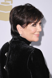Kris Jenner attended the pre-Grammy gala wearing her signature short 'do.