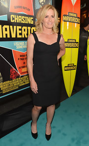 Elisabeth Shue left her look simply sleek, pairing patent-leather platform pumps with her LBD.