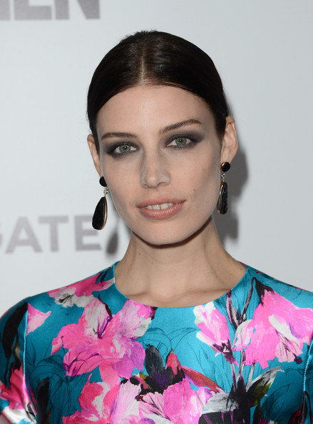 More Pics of Jessica Pare Ponytail (3 of 51) - Jessica Pare Lookbook - StyleBistro