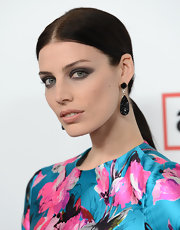 Jessica Pare kept her hair sleek and straight with this low ponytail.