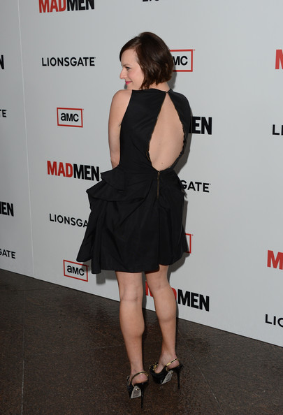 More Pics of Elisabeth Moss Short Cut With Bangs (4 of 30) - Elisabeth Moss Lookbook - StyleBistro