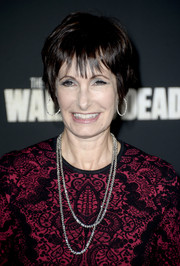 Gale Anne Hurd sported a breezy layered razor cut when she attended the premiere of 'The Walking Dead' season 4.