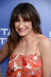 Kathryn Hahn looked sweet with her beach-chic waves and eye-skimming bangs at the premiere of 'Captain Fantastic.'