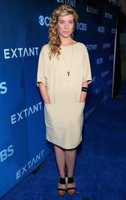 Tessa Ferrer stayed low-key in this baggy nude dress during the premiere of 'Extant.'