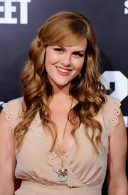 Sara Rue swept on a golden raspberry shade of lipstick at the premiere of '21 Jump Street.'