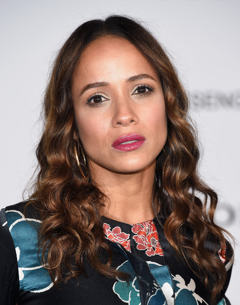Dania Ramirez sported flowing center-parted curls at the premiere of 'Passengers.'