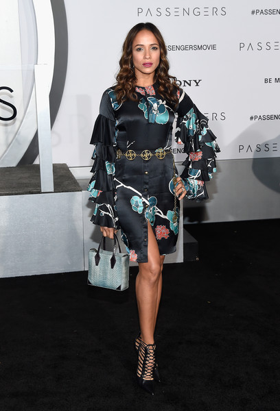 Dania Ramirez completed her ensemble with a blue snakeskin tote.