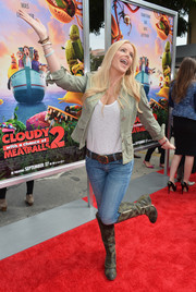 Gena Lee Nolin looked rugged-chic in a fitted beige jacket, skinny jeans, and a pair of knee-high boots at the premiere of 'Cloudy with a Chance of Meatballs 2.'