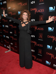 Sophia Loren proved she still had the body to pull off this bondage-glam black gown during the premiere of 'Dark Places.'