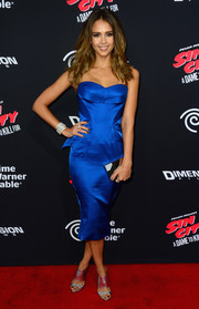 Jessica Alba looked vibrant and sexy in an electric-blue Zac Posen peplum strapless dress at the 'Sin City: A Dame to Kill For' premiere.