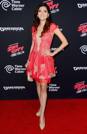 Blanca Blanco chose a frilly red and nude cocktail dress for the 'Sin City: A Dame to Kill For' premiere.