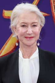 Helen Mirren opted for a casual short side-parted hairstyle when she attended the premiere of 'Aladdin.'