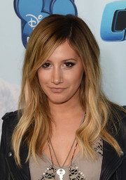 Ashley Tisdale was edgy-chic with this subtly wavy 'do at the premiere of 'Cloud 9.'