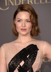 Holliday Grainger amped up the sweetness with this short wavy 'do during the Hollywood premiere of 'Cinderella.'