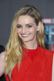 Lydia Hearst wore her hair in loose, edgy waves at the premiere of 'Guardians of the Galaxy Vol. 2.'