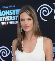 Alessandra showed off her caramel highlights with a sleek and straight cut.