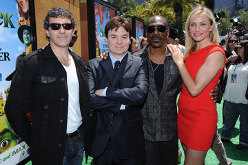 "Mike Myers Cameron Diaz Premiere Of DreamWorks Animation's ""Shrek Forever After"" - Arrivals"