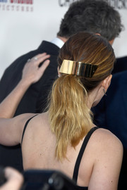 Kate Mara attended the premiere of 'Chappaquiddick' wearing an oversized gold barrette.