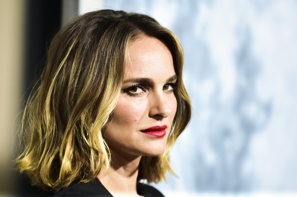 More Pics of Natalie Portman Red Lipstick (5 of 16) - Makeup Lookbook - StyleBistro [lucy in the sky,hair,face,lip,eyebrow,hairstyle,blond,beauty,chin,skin,nose,natalie portman,arrivals,california,los angeles,darryl zanuck theater,fox,fox studios,premiere,premiere]