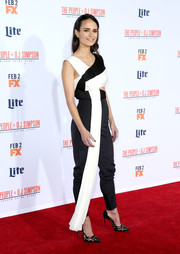 Jordana Brewster went the ultra-modern route in a black-and-white Vionnet jumpsuit with a waist cutout and drape detailing during the premiere of 'American Crime Story: The People v. O.J. Simpson.'