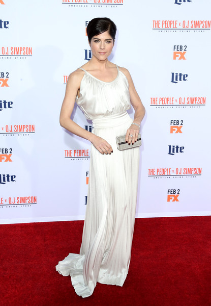 Selma Blair looked like a modern-day goddess in a white Derek Lam gown with a cinched-in waist and a floor-sweeping hem during the premiere of 'American Crime Story: The People v. O.J. Simpson.'