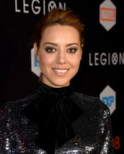 Aubrey Plaza went punk with this teased ponytail at the premiere of 'Legion.'