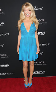 Charlotte Ross was blue from head-to-toe when she sported this bright blue frock.