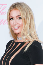 Paris Hilton went for a low-key straight hairstyle when she attended the premiere of 'The Beguiled.'