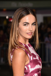 Camilla Belle framed her face with this center-parted layered cut for the premiere of 'The Danish Girl.'