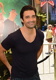 Gilles Marini's striped V-neck tee was a casual-cool choice for the red carpet.