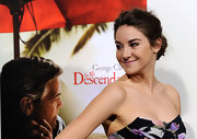 Shailene Woodley wore her hair in a casual, loose bun at the premiere of 'The Descendants.'