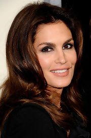 Cindy Crawford did a smoky eye with lots of shimmering gray shadow at the premiere of 'The Descendants.'