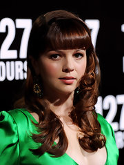 Amber Tamblyn showed off her perfectly curled ringlets while hitting the premiere of '127 Hours'.