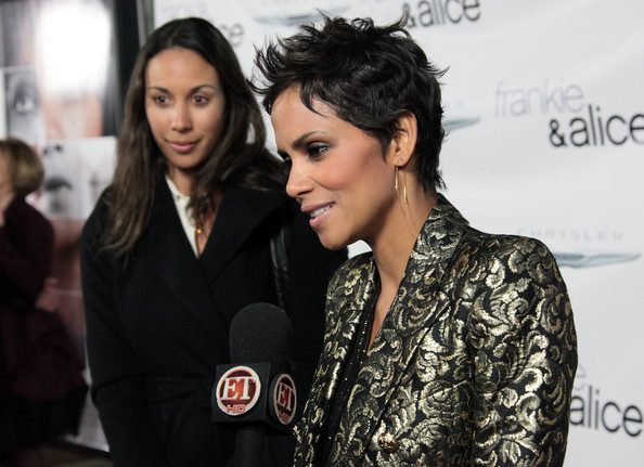 More Pics of Halle Berry Pantsuit (1 of 39) - Halle Berry Lookbook - StyleBistro [frankie and alice,beauty,fashion,black hair,lip,event,fashion design,fashion accessory,premiere,eyelash,style,arrivals,halle berry,r,california,hollywood,egyptian theatre,premiere,premiere]