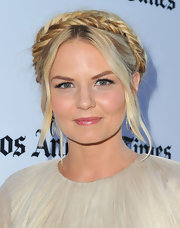Jennifer Morrison topped off her totally ethereal look with a fishtail helmet braid.