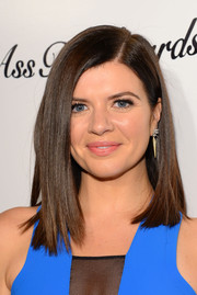 Casey Wilson sported a sleek straight side-parted 'do at the 'Ass Backwards' premiere.