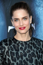 Amanda Peet pulled her hair back into a youthful ponytail for the premiere of 'Game of Thrones' season 7.