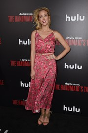 Anna Camp kept it breezy in a printed pink sundress at the premiere of 'The Handmaid's Tale.'