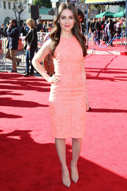 Alison Brie brought a whiff of spring to the premiere of 'The Lego Movie' with this sleeveless pink J. Mendel dress.