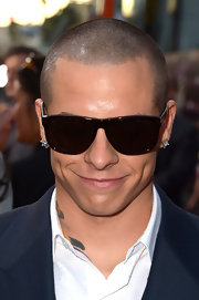 Casper Smart's rectangular glasses were that fashionable finish his outfit needed.