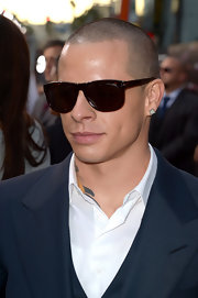 Casper Smart added a little sparkle with his diamond studs.