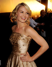 Jennifer Morrison added sparkle to her look with a rose gold flower ring.