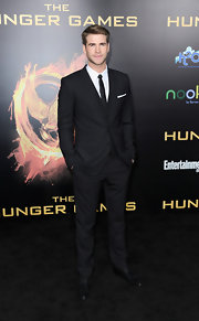 Liam Hemsworth looked ultra-dapper at 'The Hunger Games' premiere in a sharp Dolce & Gabbana suit.