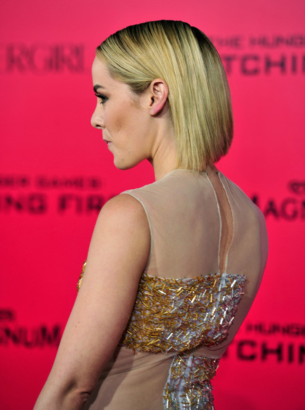 More Pics of Jena Malone Side Parted Straight Cut (1 of 33) - Jena Malone Lookbook - StyleBistro [the hunger games: catching fire,the hunger games,hair,hairstyle,shoulder,blond,dress,red carpet,beauty,premiere,carpet,chin,arrivals,jena malone,california,los angeles,nokia theatre l.a. live,lionsgate,cathching fire,premiere]