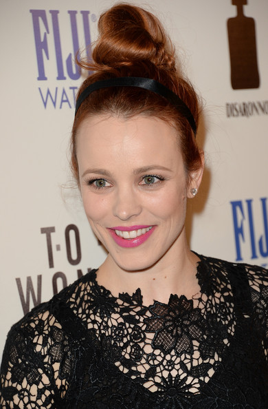 More Pics of Rachel McAdams Bright Lipstick (1 of 50) - Bright Lipstick Lookbook - StyleBistro