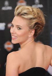 Scarlett Johansson wore her wavy locks swept up into a sexy voluminous style for the premiere of 'The Avengers.'