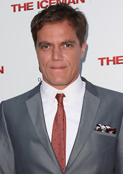 Michael Shannon complemented his gray suit with a red polka-dot tie when he attended the 'Iceman' premiere.
